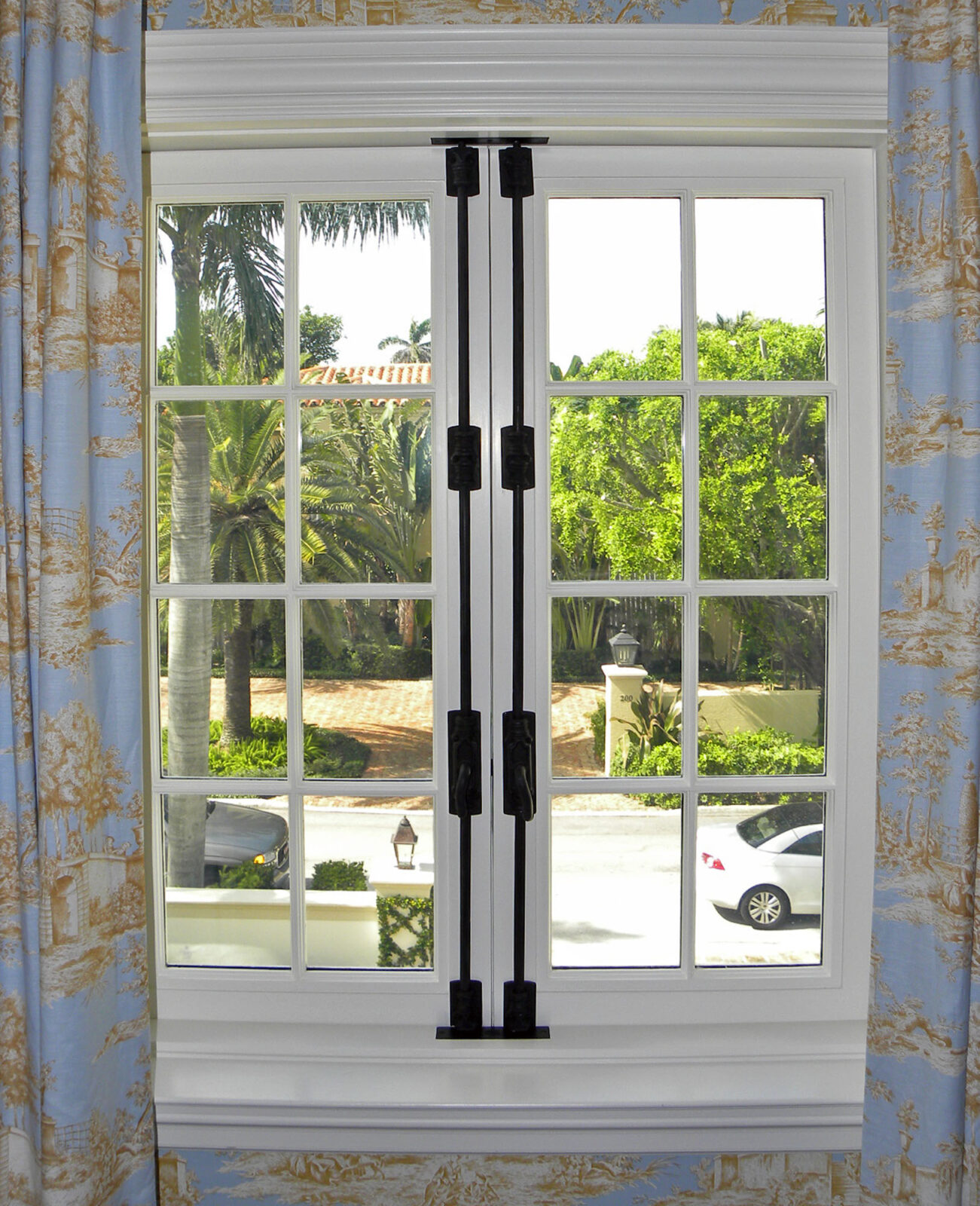 EL VENADO PALM BEACH WINDOW