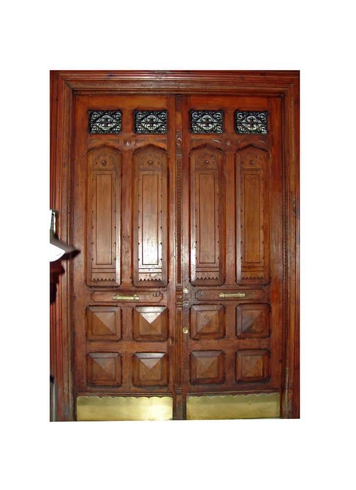 MADRIS DOUBLE ENTRY DOORS.