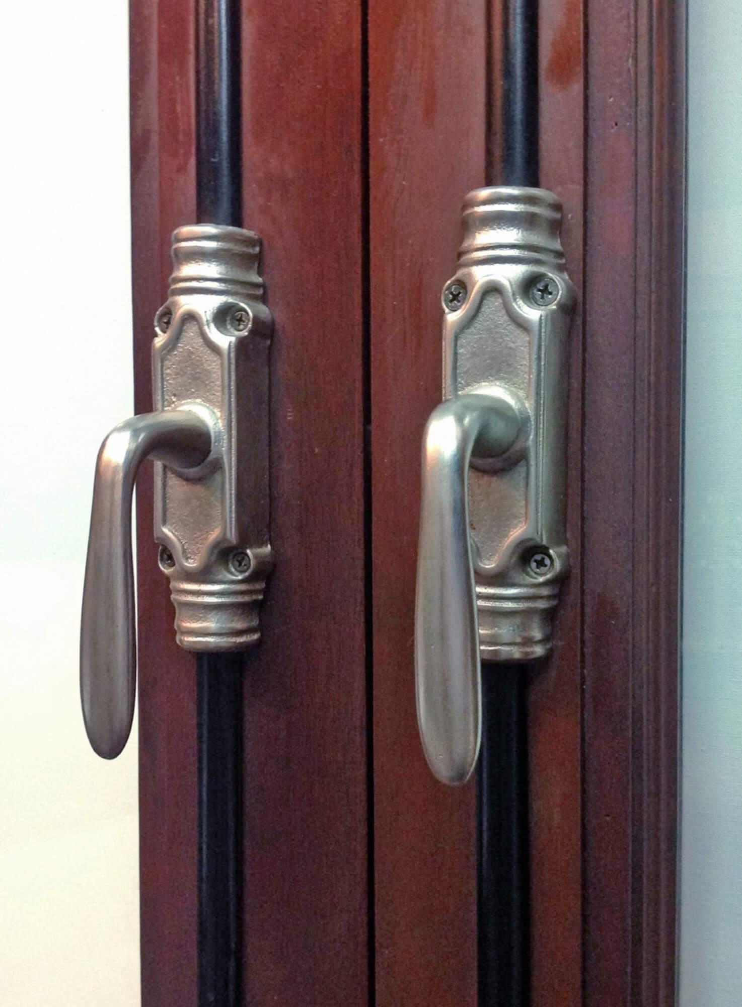 TRADITIONAL CREMONE BOLTS PAMPA OLD SILVER